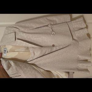 Two piece skirt set in beige